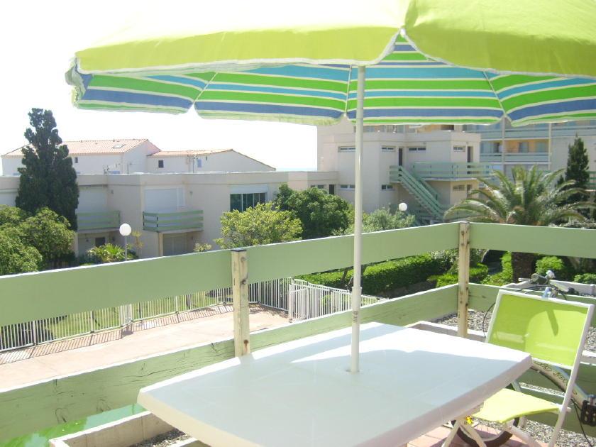 Port leucate appart studio piscine 1 re ligne mer agence du soleil location immobili re - Agence du port port leucate ...