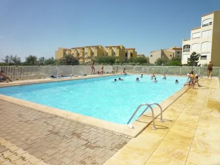 Port leucate appart t2 piscine vue mer moderne agence du soleil location immobili re - Agence du port port leucate ...