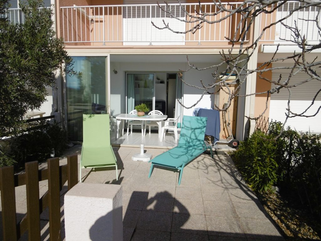gruissan appart t2 agence du soleil location. Black Bedroom Furniture Sets. Home Design Ideas